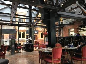 宮原眼科のカフェ